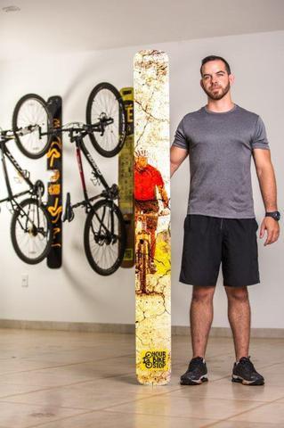 Imagem de Suporte de parede para bicicleta slim red