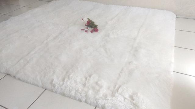 Imagem de Tapete Peludo Luxo Sala Quarto Decoração 1 X 1,40 + Brinde