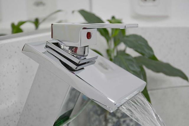 Imagem de Torneira Monocomando Misturador Para Banheiro Metal Alta