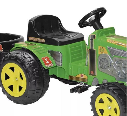 Imagem de Trator Fazendeiro com Caçamba Verde Pedal Biemme
