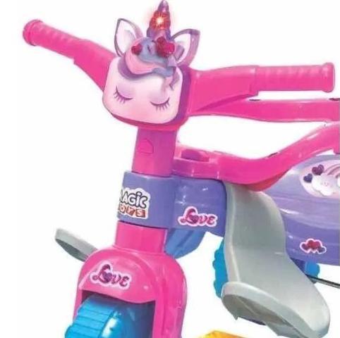 Imagem de Triciclo Motoca Infantil Tico Tico Uni Love Com Luz - Magic Toys
