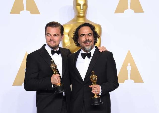 Imagem de Troféu Estatua Do Oscar P/ Festa Formatura Casamento Bodas