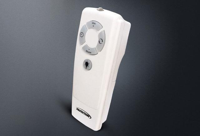 Imagem de Ventilador Oscilante de Parede Premiun 60cm Bivolt Branco Com Controle Remoto Protection