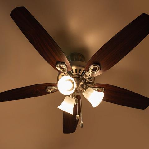 Imagem de Ventilador teto Hunter Fan Builder Plus niquel 5 pás com luminária 220V + controle remoto ST50061