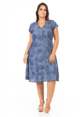 Imagem de Vestido Jeans Midi Evasê com Estampa Plus Size